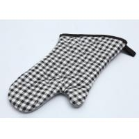 Quality Customized Patterns Adult Microwave Oven Gloves Cotton Material Heat Insulation for sale