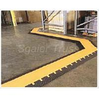 Quality Small Cable Ramp Rubber Floor Cable Protector , Truck Unloading Rubber Cord Cover Cable Speed Ramp for sale