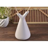 Quality White Empty Diffuser Bottles , Ceramic Essential Oil Diffuser With Rose & Sticks for sale