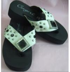 China 2 Leather EVA PVC PU TPR Rubber EPP EPE Foam Lady Children Flip Flops Slipper on sale
