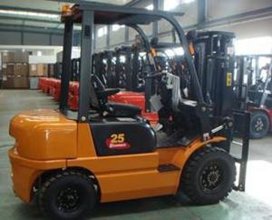 Quality CPCD20 2 Ton 20km/H Four Wheel Drive Forklift with diesel engine for sale