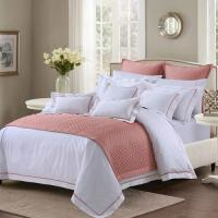 Soft And Sophisticated Hotel Bed Linen Queen Size With Piping Edge For Restaurant