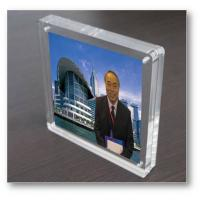 Quality magnetic acrylic photo frame for sale