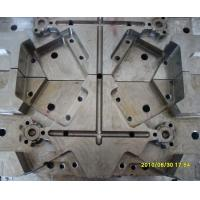 Quality 2 Plates Multi Cavity Mold , Douille Tooling 12 Lifters Die-Casting Mould for sale