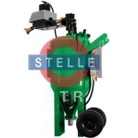 China Manual Vapour Blasting Equipment / Movable Wet Blasting Cabinet  Green Color on sale