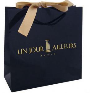 Quality Custom Luxury Black C1S Art Paper Matt Laminated Shopping Bag With Ribbon Bow for sale
