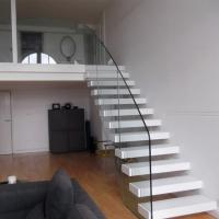 Quality Customized Floating Stairs / Cantilevered Staircase with Oak Wooden Tread for sale