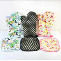 Quality OEM Printed Oven Gloves , Cute Oven Mitts Various Colors Slip Resistant for sale