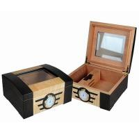 Quality wooden cigar humidors, with lock, hinge & clasp, cedar wood pallet for sale