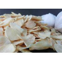 Quality Wholesale Reduce Blood Pressure Dehydrated pure yellow Garlic Flakes Dehydrated Vegetable 20kg per bag for sale
