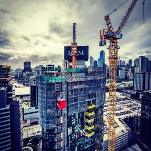 Quality 6m / Min Safe Retractable Cantilevered Crane Loading PlatformsFor Skyscraper for sale