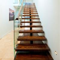 Quality Mono Stringer Safety Indoor Tempered Glass Straight Staircase Design for sale