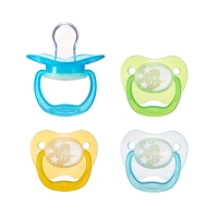 Quality BPA Free Breastfeeding Baby Sucking Pacifier Customized Color Durable for sale