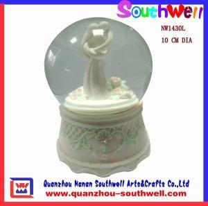 Quality wedding music snow globe gifts,wedding decoration for sale
