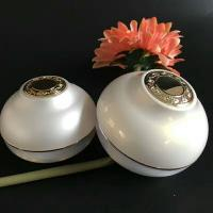 Quality 30gram  50gram plastic cosmetic chrome  jar for sale
