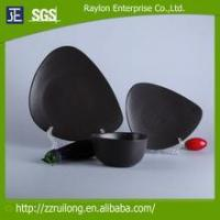 Quality New Item Solid Color Glazed Triangle Black Stoneware Plate And Bowl for sale