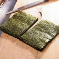 Quality Grade A Sushi Nori Sheets with Half Cut Size for Sushi Roll for sale