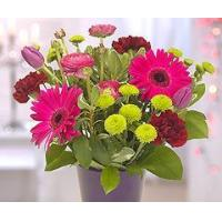 China Flowers Vibrant Fresh Flower Bouquet on sale